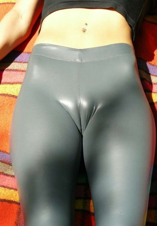 Cameltoe tight leggings pics